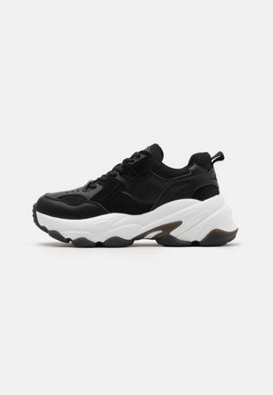 BUBBLE SOLE TRAINERS - Sneakers laag - black