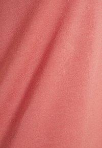 Vero Moda Curve - VMAVA  - Jednoduché triko - old rose - 4
