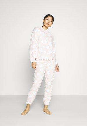 ONLCAYA NIGHTWEAR SET - Pyjama - blushing bride