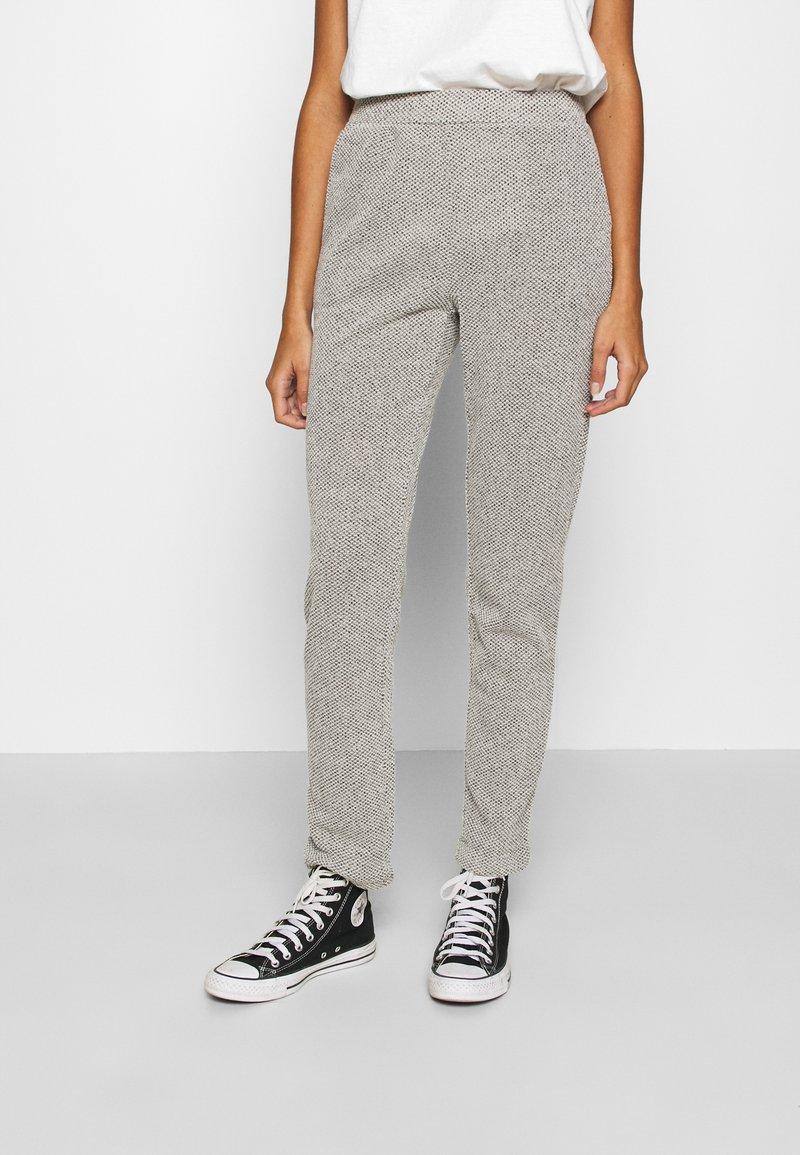 ONLY - ONLALBA AMY PANT - Trousers - light grey melange