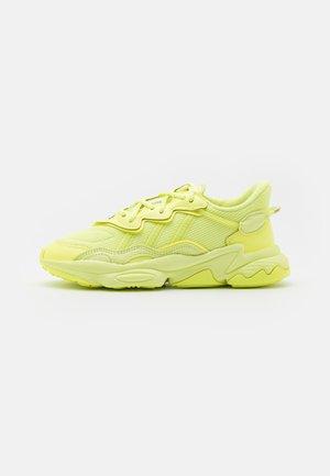 OZWEEGO UNISEX - Trainers - frozen yellow