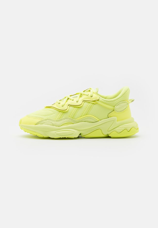 OZWEEGO UNISEX - Trainers - frozen yellow