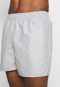 Nike Performance - VOLLEY  - Shorts da mare - smoke grey - 3