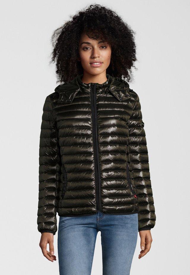 Gewatteerde jas - black/olive