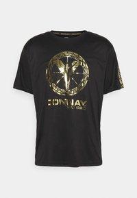 Carlo Colucci - DONNAY X CARLO COLUCCI - Print T-shirt - black/gold - 3