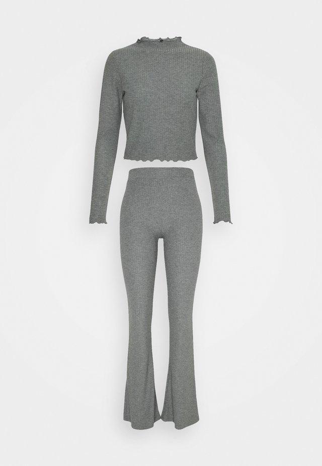 ONLNELLA PANT SET - Pantalones - medium grey melange