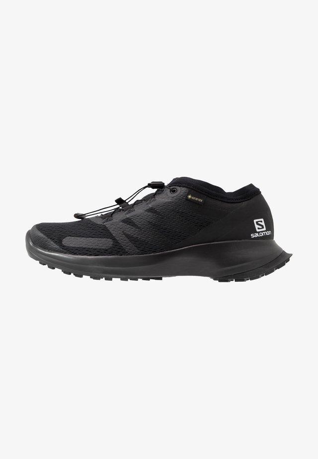 SENSE FLOW GTX - Trail hardloopschoenen - black