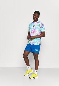 Hi-Tec - HAHN SHORTS - Sports shorts - blue - 1