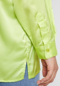 Missguided Plus - CURVE DOUBLE POCKET OVERSIZED - Chemisier - lime - 5