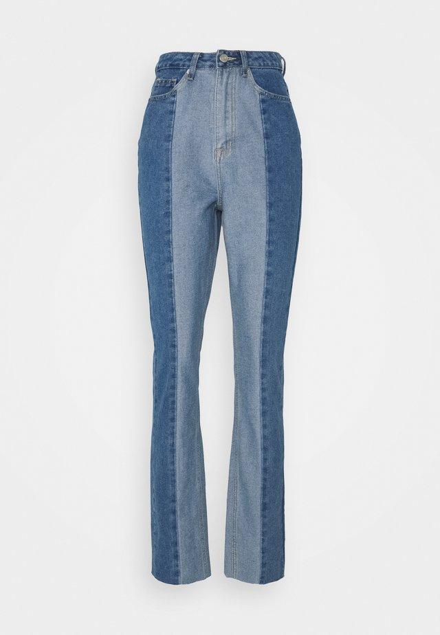 PANELLED RIOT MOM - Jeans Straight Leg - blue
