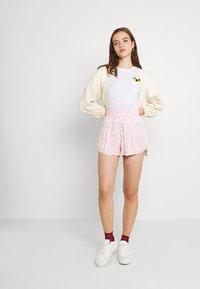 Hollister Co. - CREW - Print T-shirt - white - 1