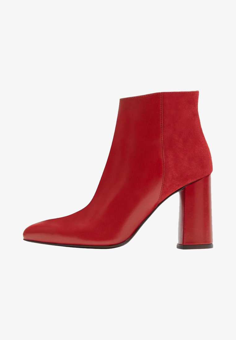 PoiLei - High heeled ankle boots - red