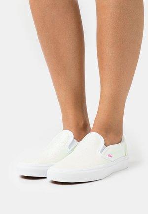UA CLASSIC  - Slip-ins - pink/true white