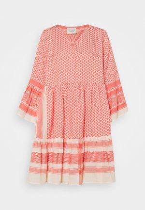 JULIA - Denní šaty - dew/emberglow