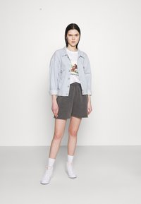 BDG Urban Outfitters - JOGGER - Shorts - charcoal - 1