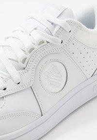 K-SWISS - NORTH COURT - Sneakers - white - 3