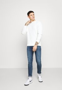 Pepe Jeans - FINSBURY POWERFLEX - Slim fit jeans - blue denim - 1