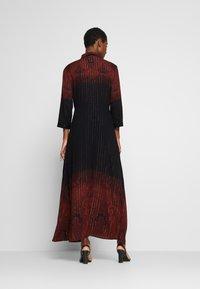 Desigual - VEST LIONEL - Maxi šaty - marron tierra - 2