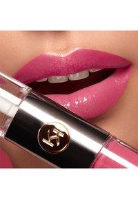 KIKO Milano - UNLIMITED DOUBLE TOUCH - Liquid lipstick - 111 satin pink camellia - 1