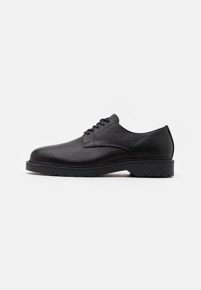 SLHTIM DERBY SHOE  - Lace-ups - black