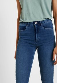 ONLY Tall - ONLROYAL - Jeans Skinny Fit - medium blue denim - 5