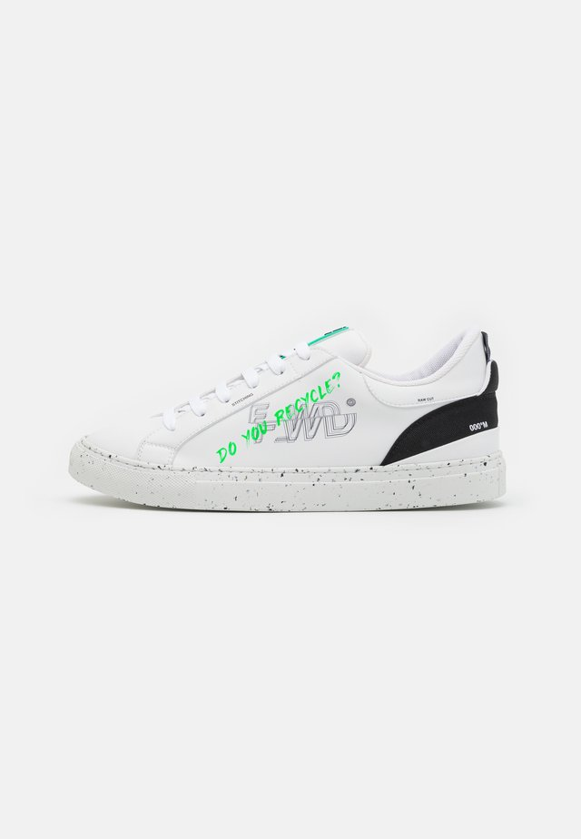 Joggesko - white/ecogreen black