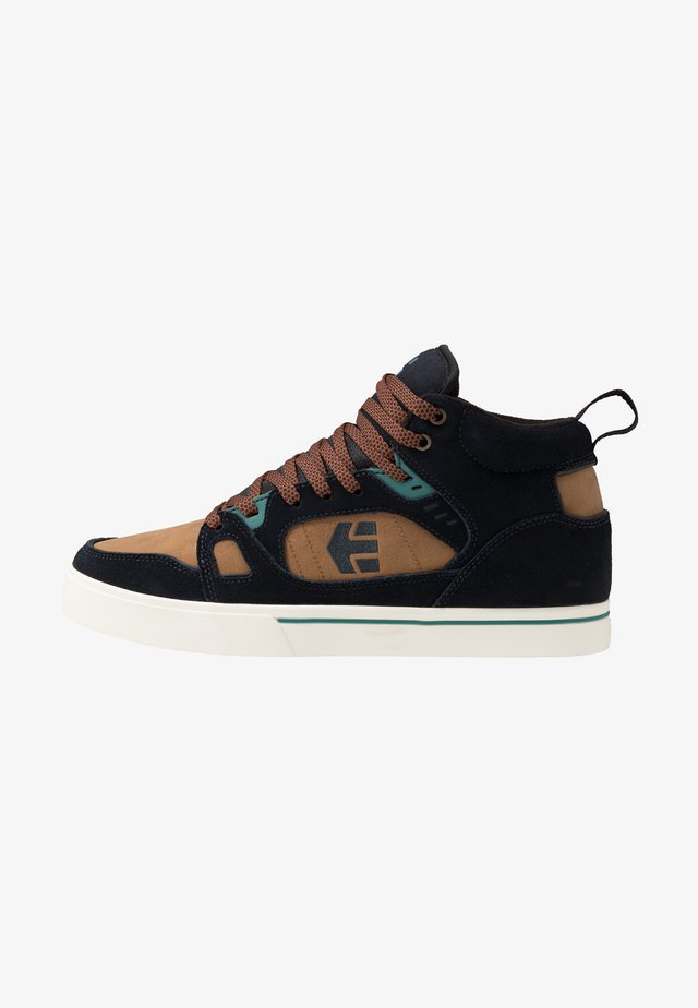 AGRON - Zapatillas skate - navy/brown/white