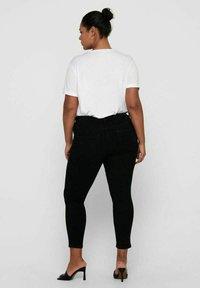ONLY Carmakoma - SKINNY FIT CURVY CARANTE LIGE REG ANKLE PUS - Jeans Skinny Fit - black - 2