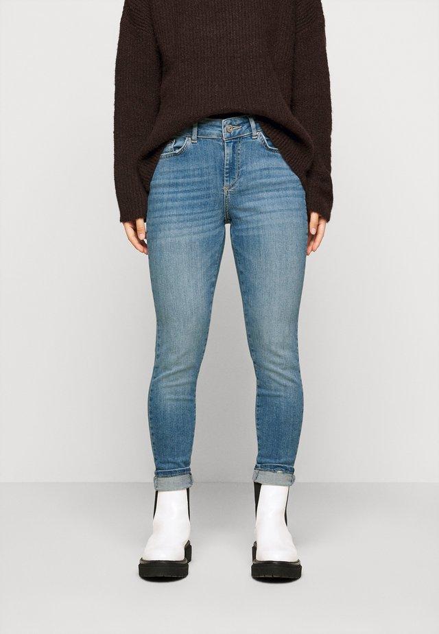 PCDELLY - Jeans Skinny Fit - light blue denim