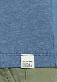 Jack & Jones Junior - JUNGS PINSELSTRICH - Print T-shirt - ensign blue - 5