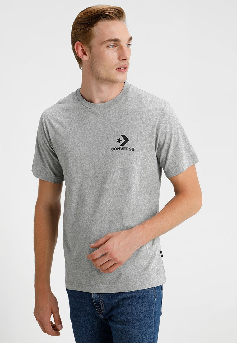 Herren LEFT CHEST STAR CHEVRON TEE - T-Shirt print