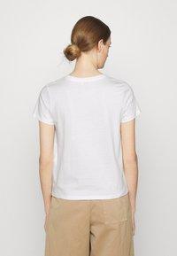 CLOSED - Basic T-shirt - ivory - 2