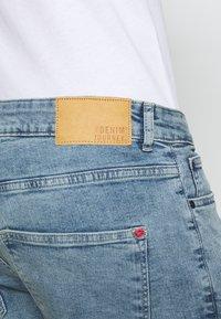Solid - RYDER BLUE 259  - Denim shorts - blue denim - 4