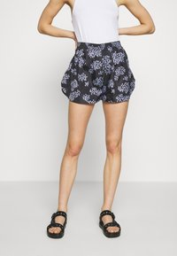 Lovechild - TAMARA - Short - black - 0