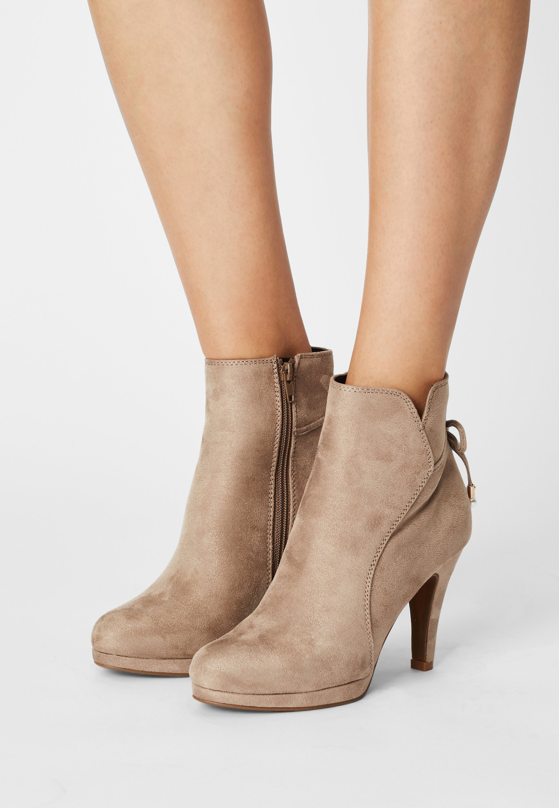 Women COMFORT - High heeled ankle boots