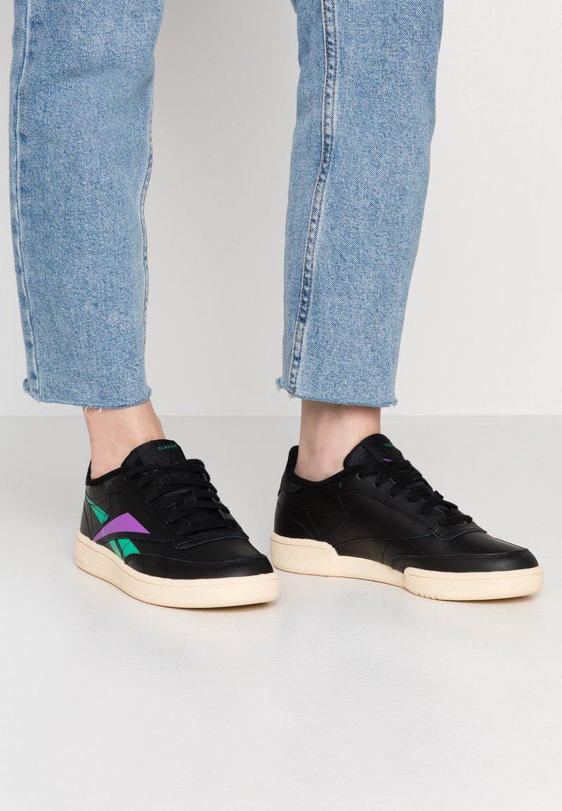 Reebok Classic - CLUB C 85 LIGHT LEATHER UPPER SHOES - Sneakers - black/emerald/grape