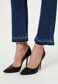 LIU JO - Flared Jeans - blue - 3