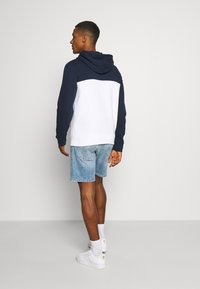 Hollister Co. - TECH LOGO SPLICE - Hoodie - white/navy