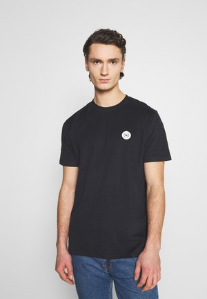 OUR JARVIS PATCH TEE - Basic T-shirt - black