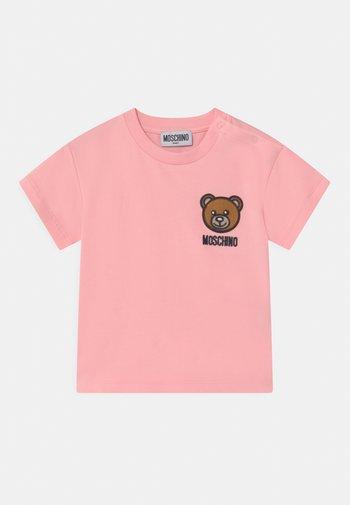 T-shirt con stampa - sugar rose