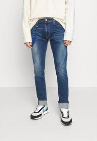 Replay - TITANIUM MAX - Jeans slim fit - medium blue - 0