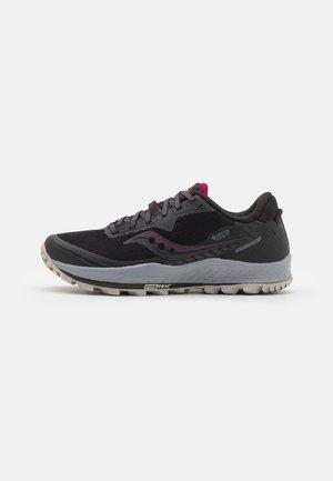 PEREGRINE 11 GTX - Trail running shoes - black/cherry