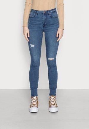 VMSOPHIA SKINNY DESTROIT JEANS - Jeans Skinny Fit - medium blue denim