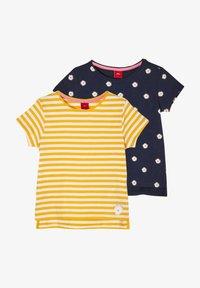 yellow stripes navy daisies