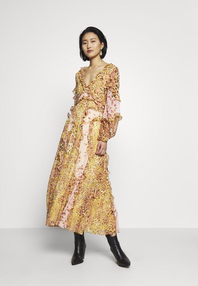 MIXED PRINT DRESS - Kjole - pinky