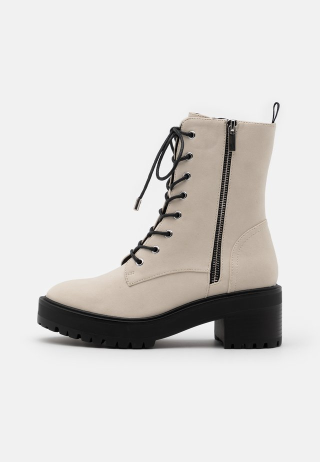 Platform ankle boots - offwhite