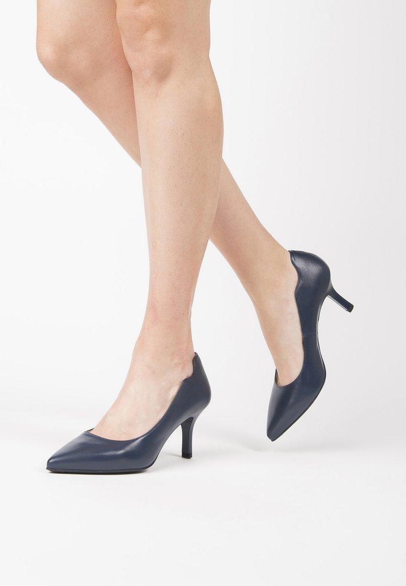 NeroGiardini - Classic heels - blu