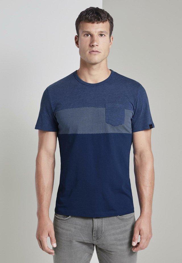 T-shirt print - after dark blue