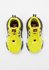 adidas Originals - ZX 2K UNISEX - Trainers - core black/footwear white - 3