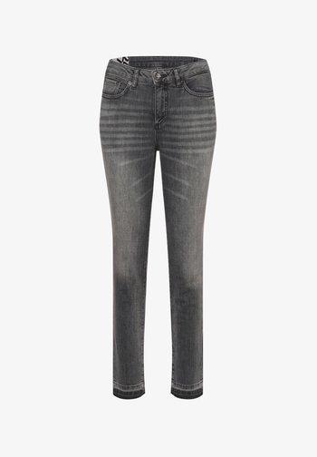 EVITA - Slim fit jeans - grau